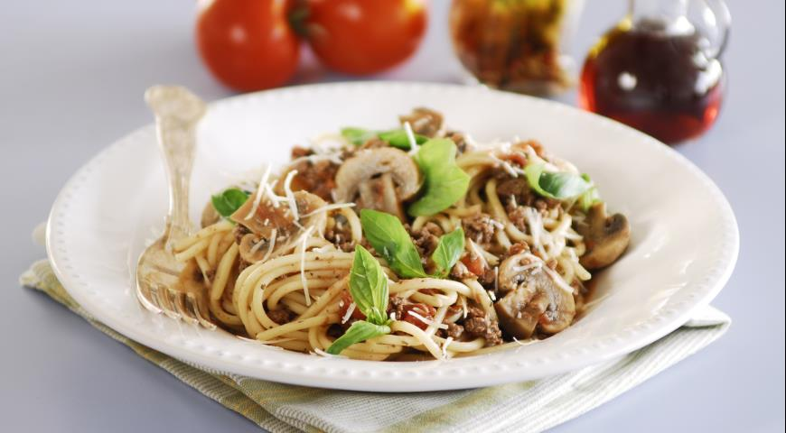 Spaghetti Bolognese with Mushrooms