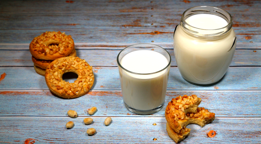 Sand rings with nuts