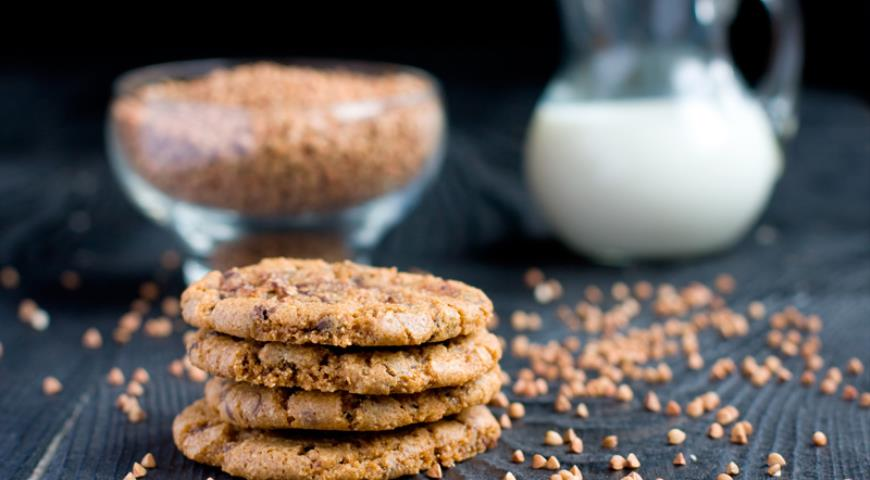 Buckwheat Chocolate Cookies with Beurre Noisette Butter