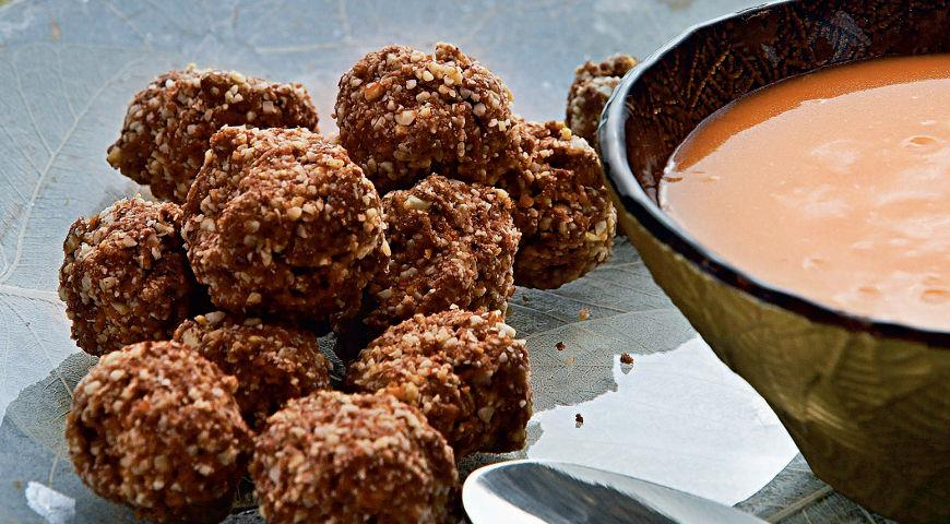Chocolate balls with orange butter