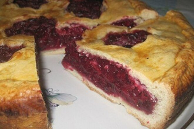 The Perfect Apple And Berry Pie