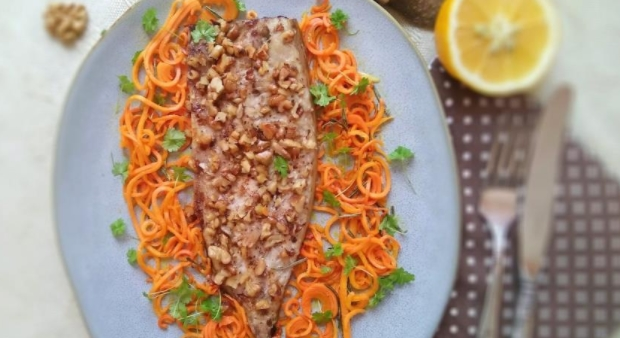 Mackerel Fillet Baked with Nuts