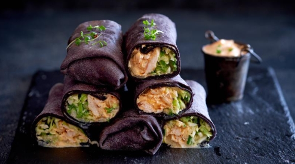 Black Shawarma with Chicken, Cabbage and Cucumber Salad and Spicy Sauce