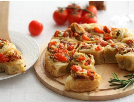 Unsweetened Tomato and Parsley Pie