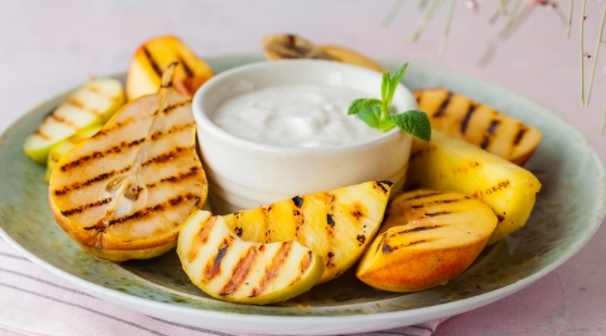 Baked Fruits with Yoghurt Sauce