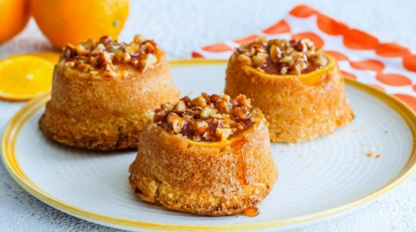Muffins with Caramelized Oranges and Almonds