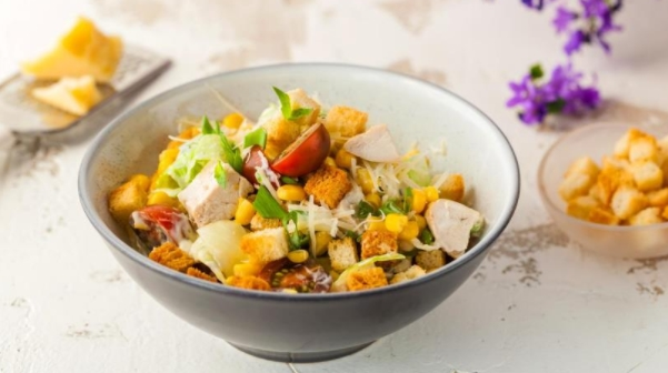 Chicken Salad with Tomatoes and Cream Dressing