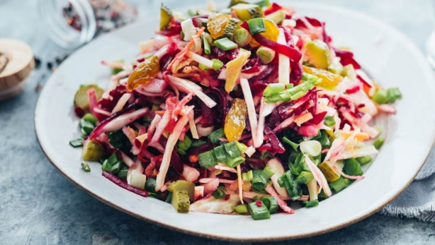 Cabbage Salad with Beets