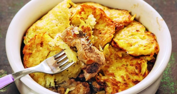 Pork with Pancakes Stewed in a Pot