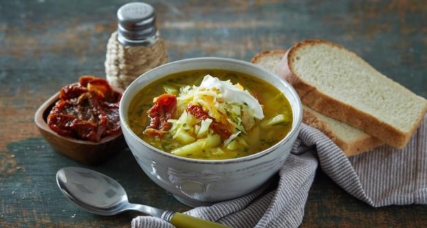 Vegetarian Cabbage Soup with Fresh Cabbage and sun-dried Tomatoes