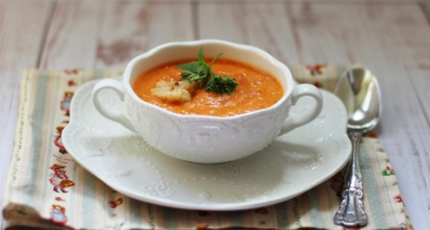 Roasted Peppers and Cauliflower Puree Soup