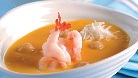Pumpkin Soup with Chickpeas and Shrimps