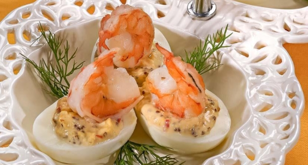 Eggs Stuffed with Shrimps