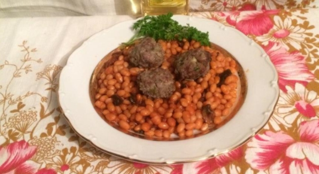 Meatballs with White Beans