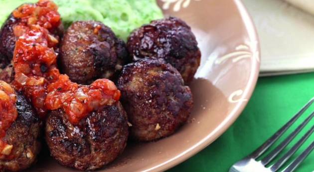 Meatballs with Green Puree
