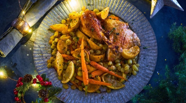 Baked Carrots with Citrus Fruits and Grapes