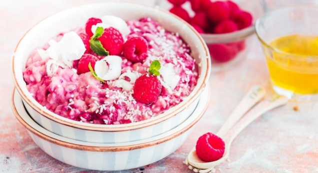 Oatmeal Raspberry and Coconut