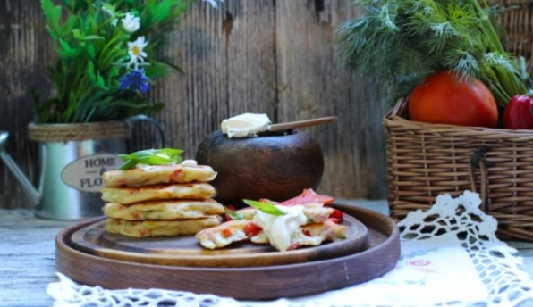 Pizza Pancakes with Ham, Cheese and Vegetables