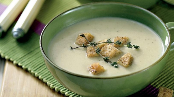 Garlic and Onion Soup with Garlic Croutons