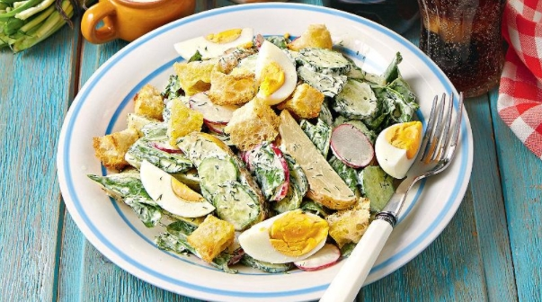 Large Green Salad with Eggs and Croutons