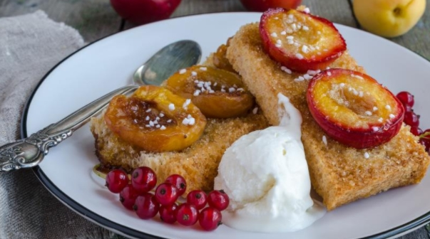 Croutons with Plums and Apricots