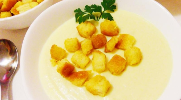 Soup - Mashed Cauliflower with Mustard Croutons