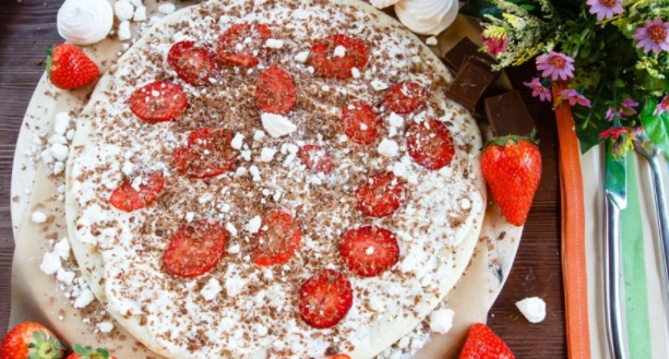 Dolce Pizza with Strawberries, Milk Chocolate and Meringues