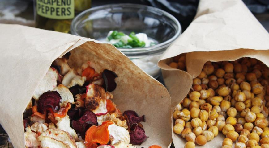 Root Chips and Chickpea Popcorn