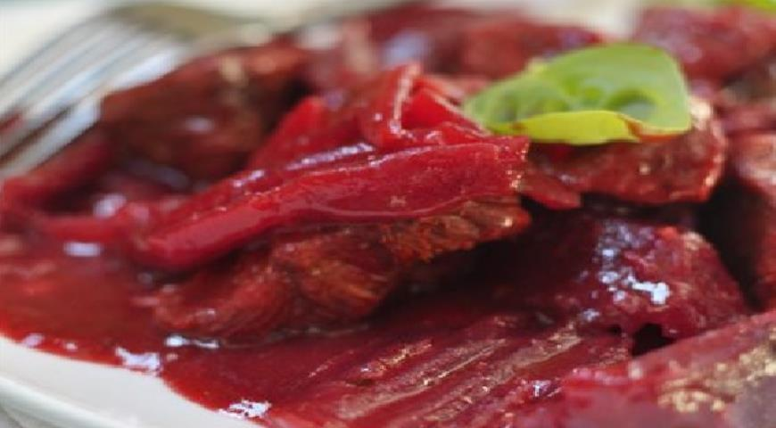 Beef with Beets and Spices (in a slow cooker)