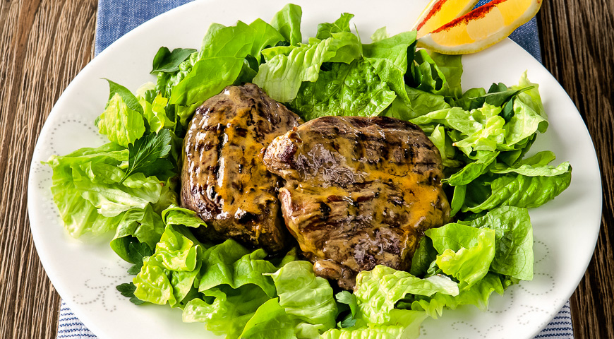 Steaks in Honey Mustard Sauce