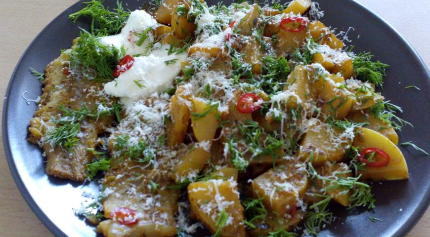 Potatoes with Pollock Fillet in Spicy Sea Buckthorn Curry Sauce