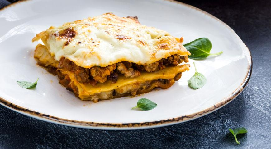 Lasagne with Mushrooms, Vegetables and Meat
