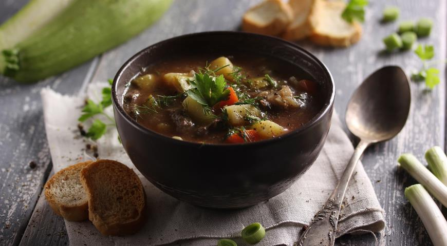 Thick Soup with Vegetables and Beef
