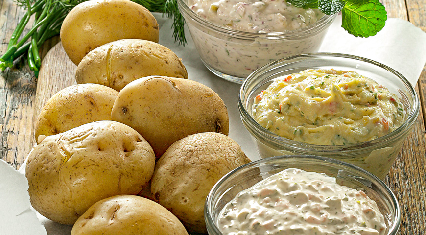 Jacket Potatoes with Three Dips