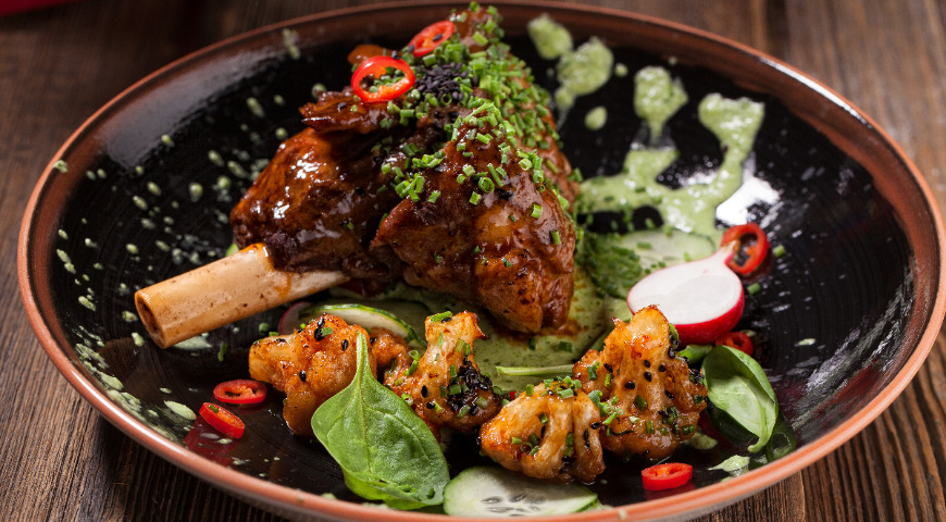 Lamb Shank with Spicy Cauliflower and Cucumber Sauce