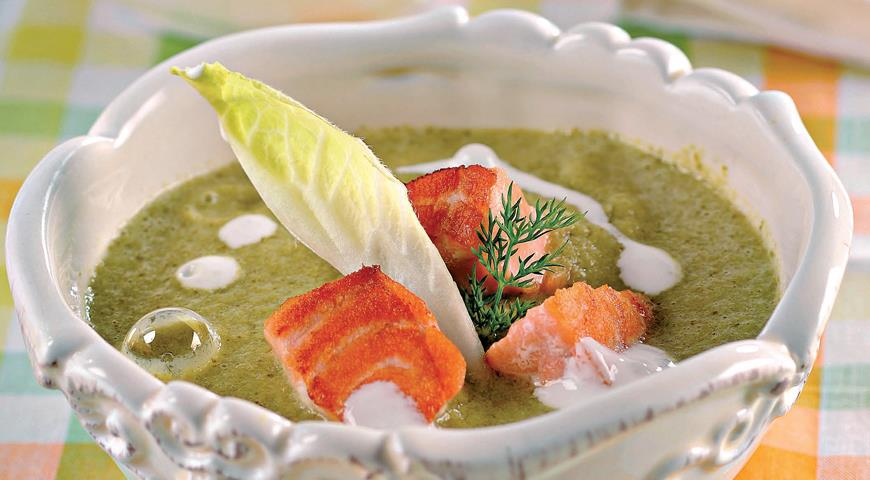 Lettuce Soup with Salmon