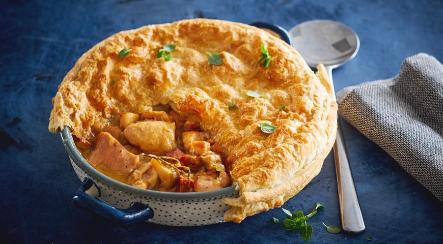 Pie with Rabbit and Mushrooms