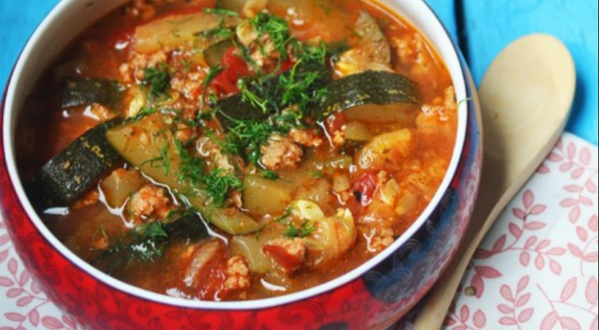 Provencal-style Zucchini and Minced Meat Stew