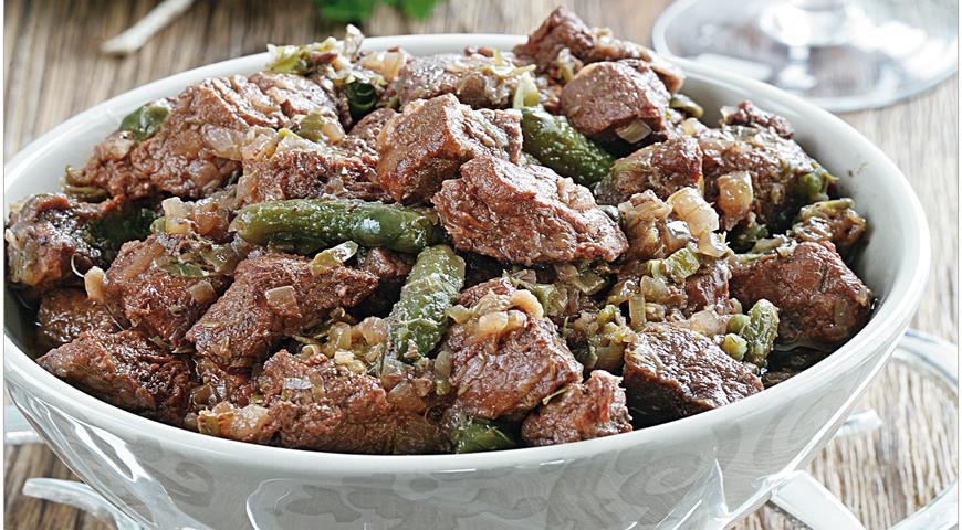 Beef with Anchovies, Gherkins and Capers
