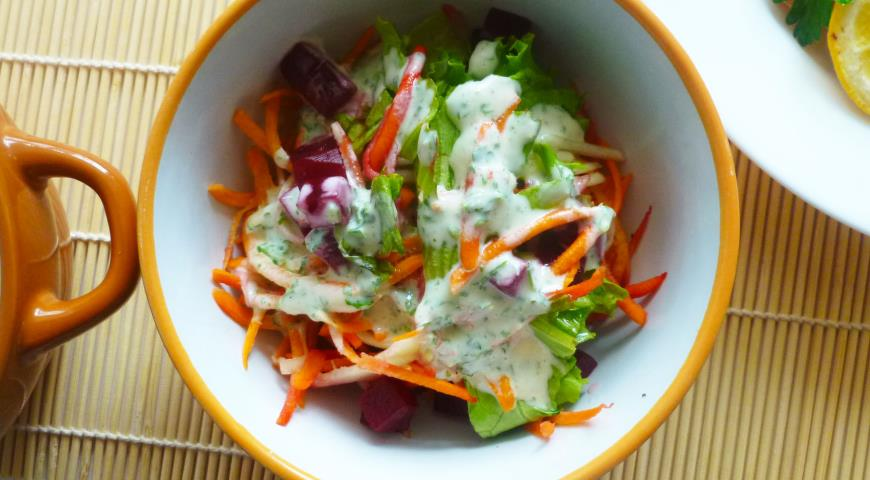 Zucchini, Carrot and Beetroot Salad with Spicy Dressing