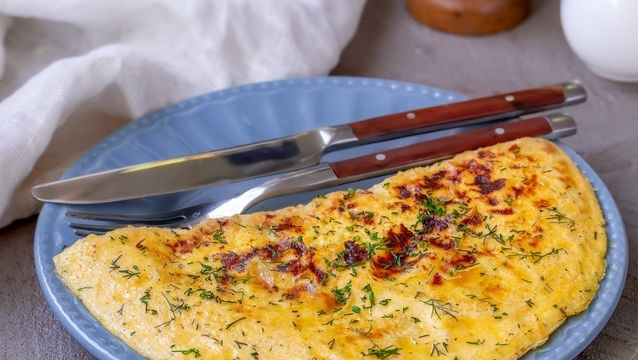Yolk omelet with herbs