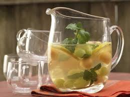 Grape sangria with melon and mint