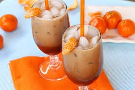 Mocha with milk and tangerines
