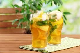 Green tea lemonade with mint
