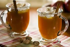 Cider with whiskey and cinnamon