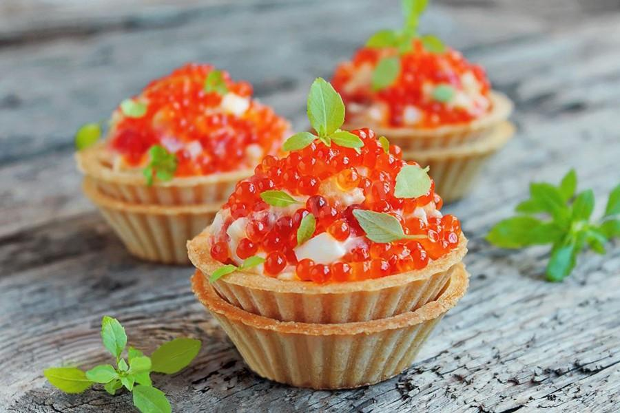 CLASSIC ROYAL SALAD WITH RED CAVIAR IN TARTALETS