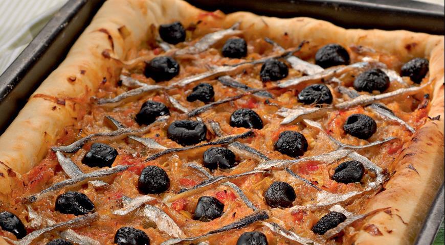 Pissaladier, Provencal onion pie