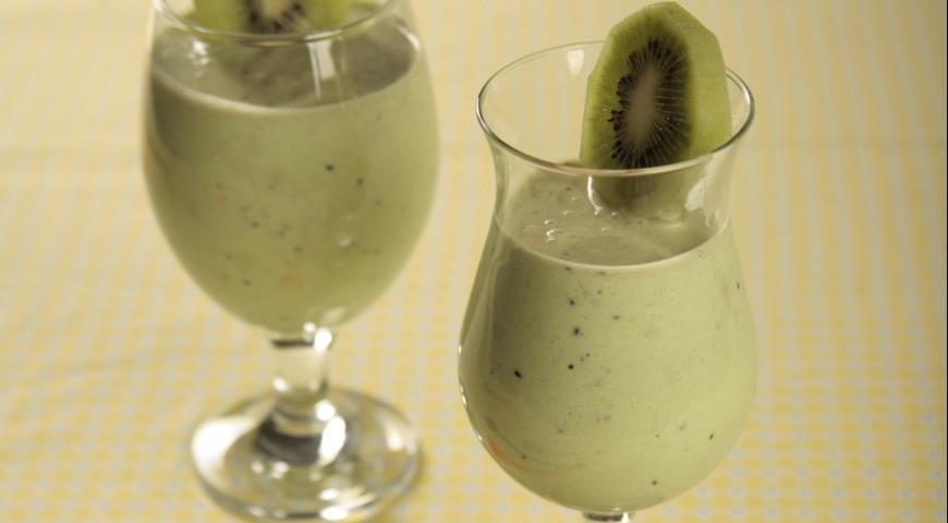 Kiwi and banana drink