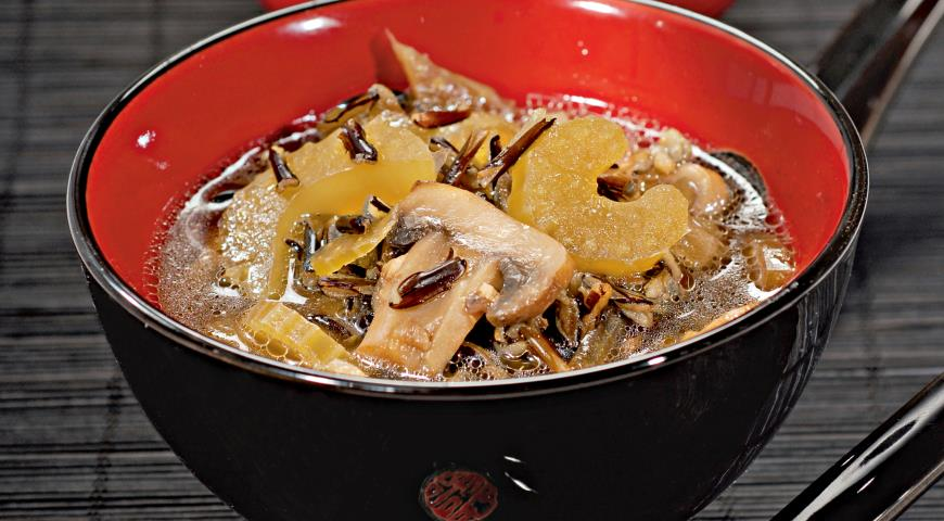 Soup with mushrooms and wild rice 2