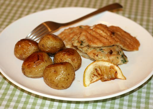 Fish in batter with potatoes